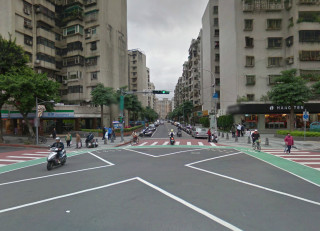 Guóxìng Rd, Taipei City, Taiwan 25.026044,121.506568